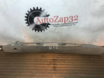 Накладка крышки багажника Mazda MPV LC6250811