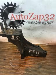 Кронштейн двигателя Mazda MPV XS2E 3K738  XS2E 3K738