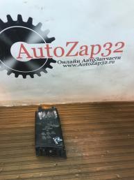 Кронштейн фары правый Mazda MPV LE43-50151