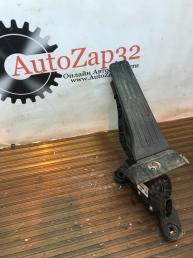 Педаль газа Hyundai i30   32700-3XXXX