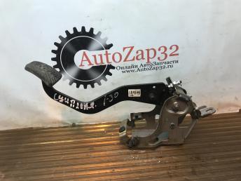 Педаль сцепления Hyundai i30  32802-3X120