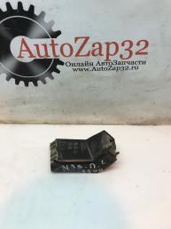 Кронштейн фары правый Mazda MPV LE43-50161