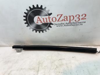 Направляющая стекла задняя правая Mercedes X164 GL A1667300419