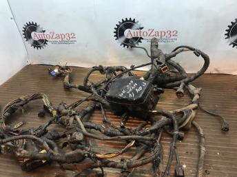 Блок предохранителя моторный отсек Hyundai Getz 912111C242