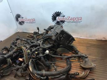 Блок предохранителя моторный отсек Hyundai Getz 912101C200