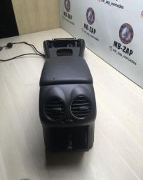 Подлокотник под телефон Mercedes W209  А2096803550 А2096803550