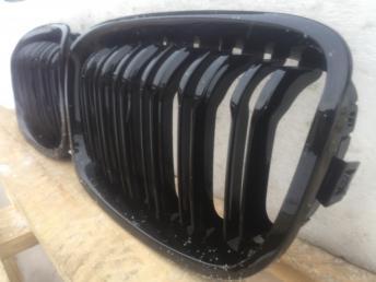 Бмв 1 ф20 ф 20 BMW F20  решётка радиатора черная