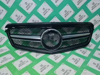Решетка радиатора AMG амг Mercedes W212 63