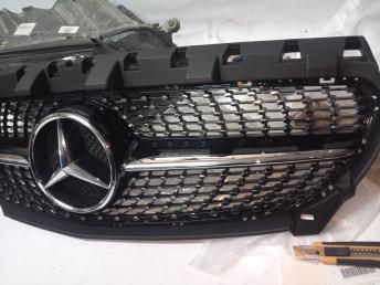 решетка радиатора  Мерседес W117 CLA