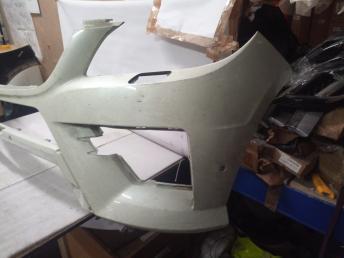 Mercedes W 166 ML AMG White бампер передний