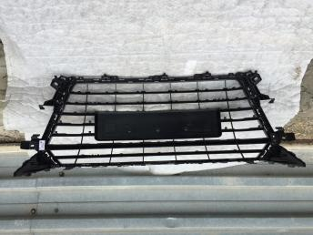 Ауди ТТ  решетка радиатора с линия s-line
