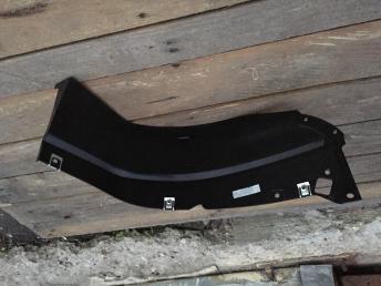 Ауди Audi Q3 ку3 подкрылок правый