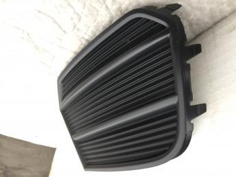 Ауди Audi Q3 ку3 Решетка бампера птф правая