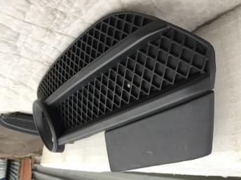 Ауди Audi Q3 ку3 Решетка бампера птф левая