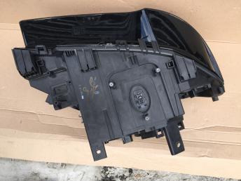 Фара передняя левая BMW X3 E83 2003-2010