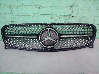 Решетка Mercedes W 156 GLA решетка даймонд