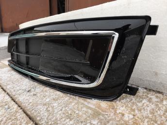 Ауди  А8 Д4 Audi A8 4h решётка птф левая