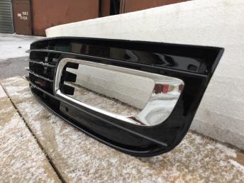 Ауди  А8 Д3 Audi A8  решётка птф левая