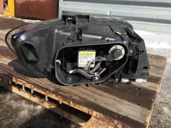 Фара левая Audi Q7