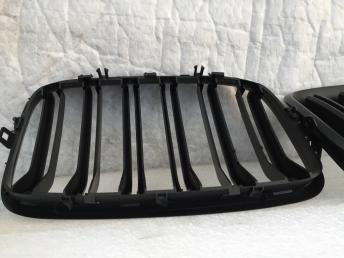 Решетка радиатора черная BMW X5 E70 2006-2013