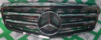 Решетка радиатора  полный хр Mercedes W212 E 2009