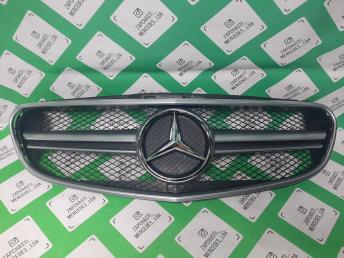 решетка радиатора Mercedes W 212 рест 6,3 хром ма