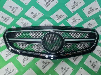 решетка радиатора Mercedes W 212 рест 6,3 хром кл