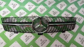 Mercedes W 219 CLS  07- решетка радиатора Diamond