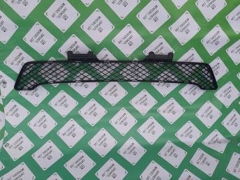 Решетка бампера центр Мерседес ML 164