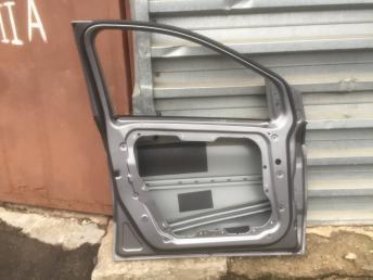Мерседес Mercedes  246 w246 Дверь передняя левая