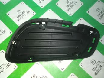 Стакан под сетку бампера W212  рест. AMG