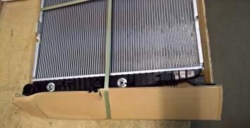 Радиатор охлаждения тосола двс мерседес гл мл 166