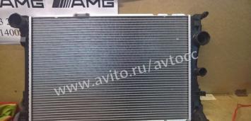 Mercedes Мерседес Радиатор охлаждения двс W204 212
