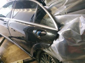 Разбор Mercedes W221 S 221 a2218800157