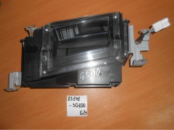 Проектор на лобовое стекло автомобиля Б/У 8314130100 8314130100