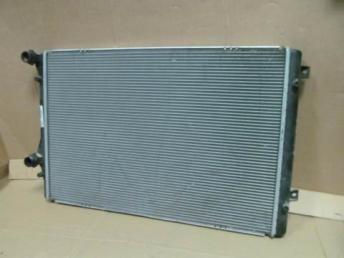Радиатор охлаждения АУДИ СЕАТ ШКОДА SEAT SKODA 5K0121251AA