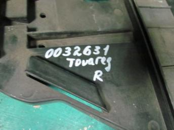Кронштейн фары правый Фольксваген Touareg БУ 7L6941614C
