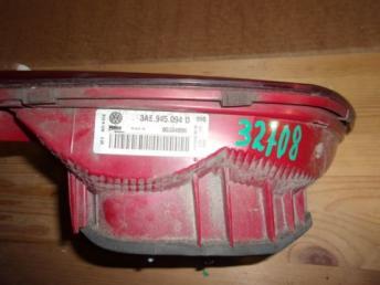 Фонарь задний правый внутренний VW Passat B7 БУ 3AE945094J