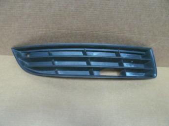Решетка бампера правая без п/т VW Passat B6 БУ 3C0853666