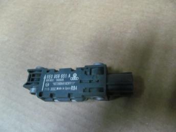 Датчик удара Audi A8 А3 А4 ТТ БУ 8E0959651A