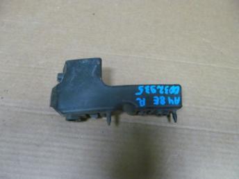 Кронштейн переднего бампера правый Audi A4 B7 8E0807284E