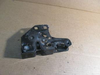 Замок капота Audi A4 8E0823509D БУ сломан 1 болт 8E0823509D