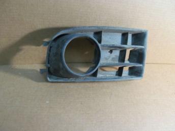 Решетка бампера правая под п/т Volkswagen Golf 5 1K0853666B