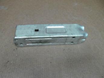 Кронштейн переднего бампера левый Audi A6 4F Б/У 4F0807133