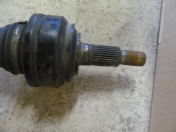 Привод задний VW TOUAREG Б/У 7L0501201C