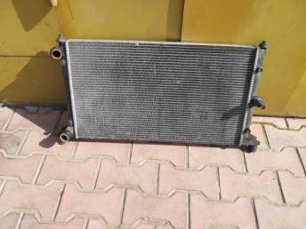 Радиатор охлаждения VW SHARAN (2001-2010) МКПП 698ммx377мм 1.8 / 1.9 / 2.0 Б/У 7M3121253B
