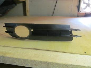 Решетка AUDI A6 (2005-2008) в бампер с п/т правая В ETKA ?4 4F0807682A