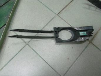 Решетка AUDI A6 (2005-2008) в бампер с п/т правая  в ETKA ?2 Б/У 4F0807682