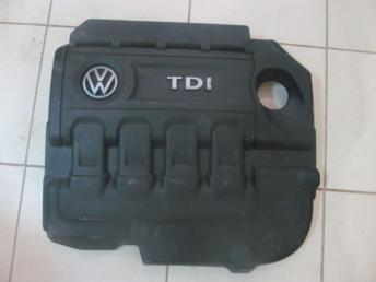 Защитный кожух впускного коллектора VW БУ 04L103925Q