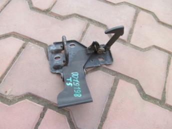 Крючок капота VW TRANSPORTER (2003-2010) Б/У 7H0823480A